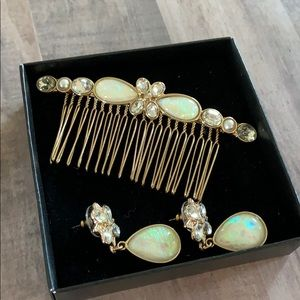 🌹New Avon Opal Hair Comb and Earring Set